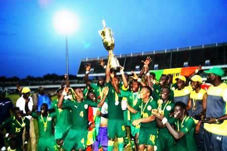 FOOTBALL/TOURNOI DE L'UEMOA : LE SENEGAL REMPORTE LA COUPE DE LA 7e EDITION DEVANT LE MALI (1-0)