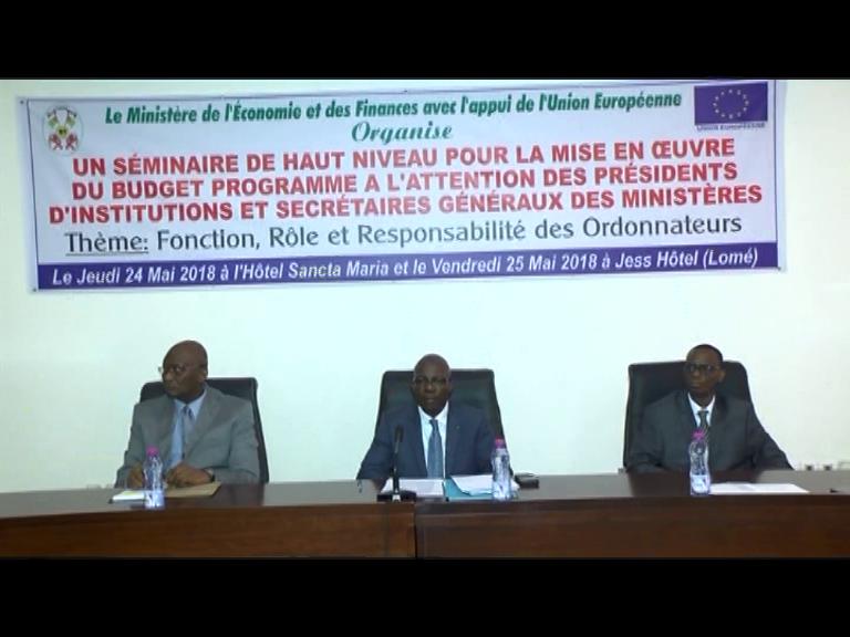 SÉMINAIRE DES PRÉSIDENTS D'INSTITUTIONS ET DES  SECRÉTAIRES GÉNÉRAUX DES MINISTÈRES