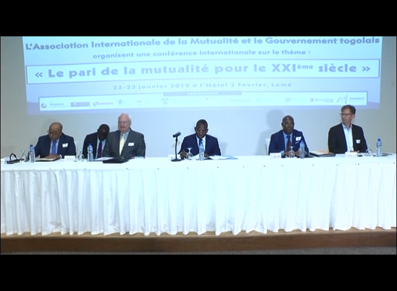 CONFERENCE INTERNATIONALE/PARI DE LA MUTUALITE POUR LE 21e SIECLE
