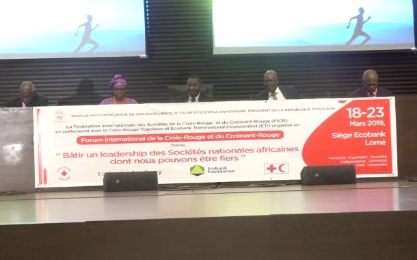 FORUM INTERNATONALE SUR BATIR UN LEADERSHIP DES SOCIETES AFRICAINES/CROIX ROUGE