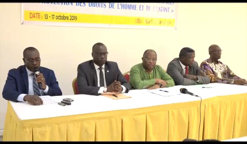 FORMATION PROFESSIONNELS DES MEDIAS/PREVENTION DES CONFLITS ET PROTECTION DES DROITS DE L'HOMME
