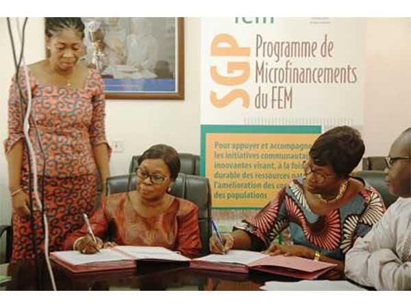 LE PNUD ALLOUE 123.000.000 F CFA AU BENEFICE DE HUIT ORGANISATIONS DE LA SOCIETE CIVILE