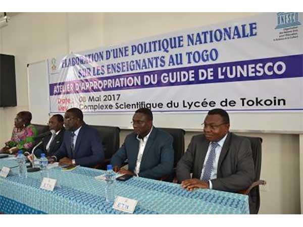 ELABORATION DE LA POLITIQUE NATIONALE SUR LES ENSEIGNANTS : LES ACTEURS S'APPROPRIENT LE GUIDE PROPOSE PAR L'UNESCO
