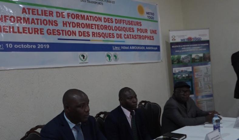 FORMATION DES DIFFUSEURS D'INFORMATIONS HYDROMETEOROLOGIQUES/SESSION SUR LES RISQUES DES CATASTROPHES